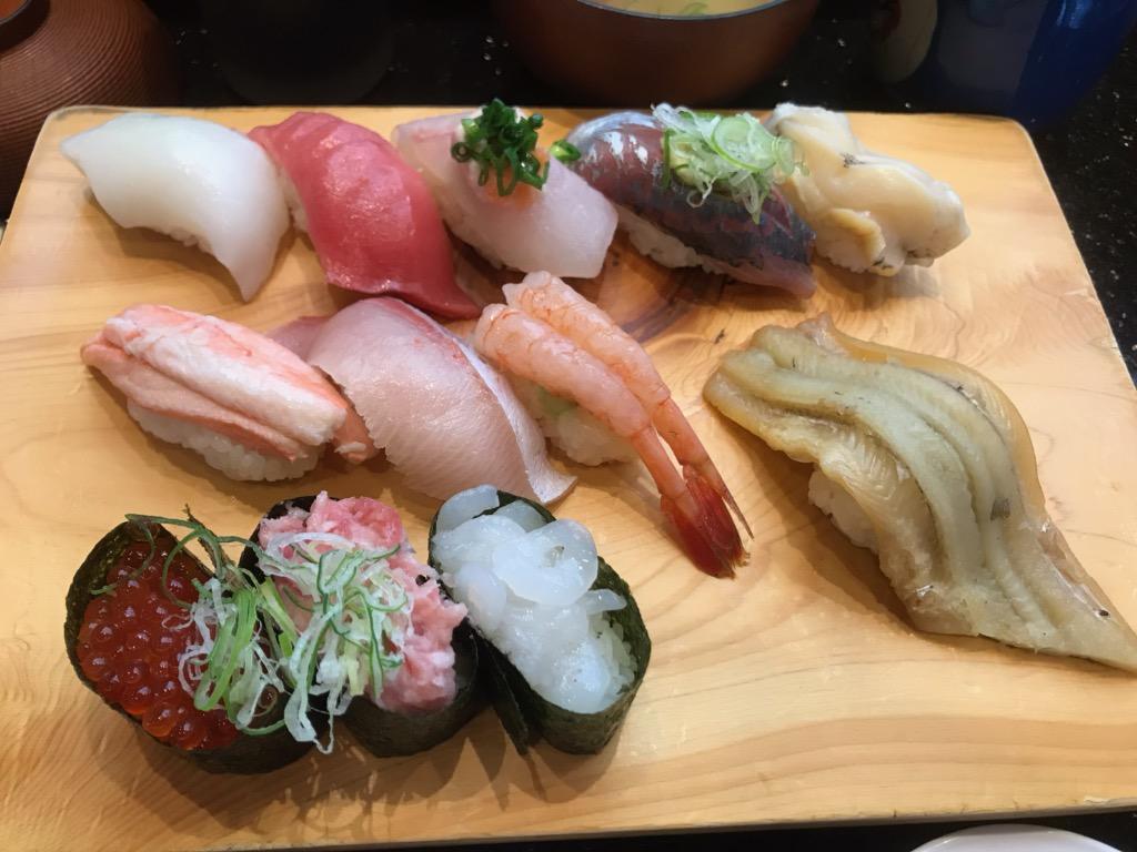ギョーザと浜焼き、お寿司からの日本酒!